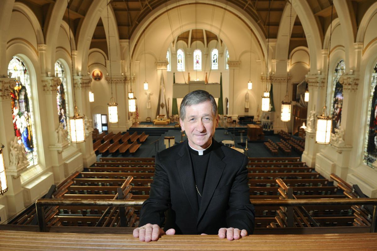 Il vescovo Cupich promuove la politica omoeretica